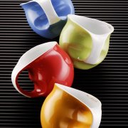 Kaffeebecher in verschiedenen Farben - Colani Porzellan Kollektion