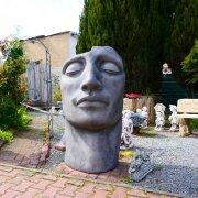 Das Gesicht Art Solitär für den Garten aus Kunststein frostfest H 145cm